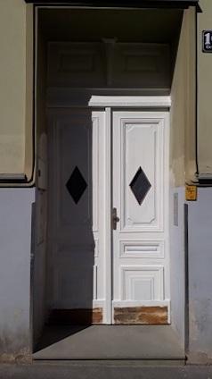 Eingangstür während Rückbau