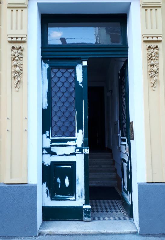 Eingangstür restauriert