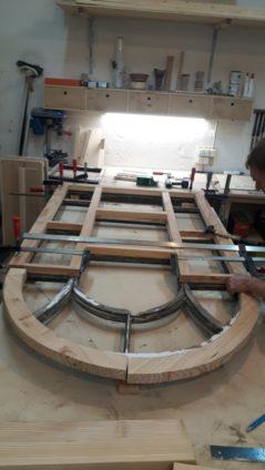 Fenster zur Restaurierung in der Werkstatt